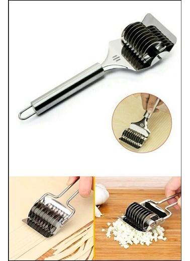 Kitchen Love Paslanmaz Çelik Matı Ve Erişte Kesici-22CmUzunluk/7CmBıçak Bölümü Gümüş